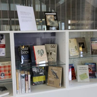 Bokutstillingen i anledning Verdens bokdag 23.april. Foto: Arnhild Jordet